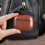 AirPods Pro lederen hoesje Pro Leather series - Met bevestigingsclip - Donker bruin_